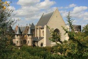 Angers_Chateau_Le_chatelet_la_chapelle_et_la_tour_du_moulin_20080921_Wikimedia