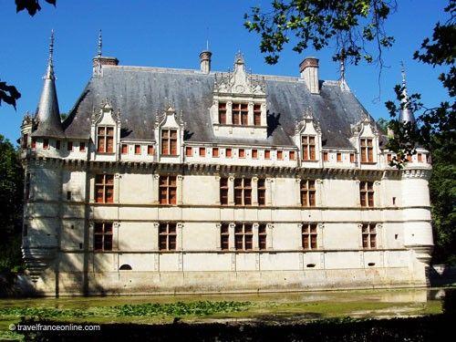 azay le rideau castle chateau renaissance. Black Bedroom Furniture Sets. Home Design Ideas