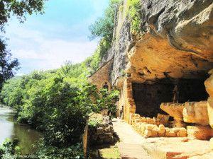 Madeleine-troglodyte-village-3-Dordogne
