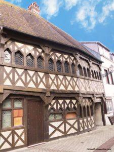 Medieval-timber-framed-house-in-Rue