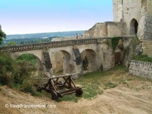 Chateau-de-Chinon-former-drawbridge