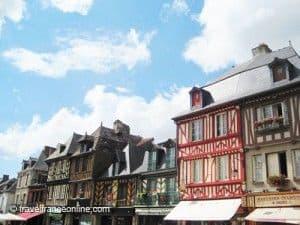 Dol-de-Bretagne-Grande-Rue-des-Stuarts