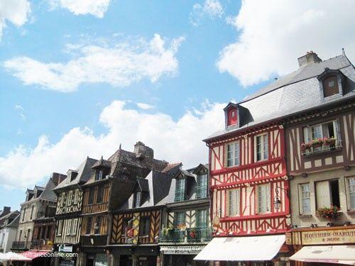 Dol de Bretagne - Grande Rue des Stuarts