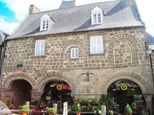 Dol de Bretagne - Les Petits Palets at no17 Rue des Stuarts