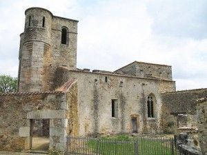 500px-Oradour-sur-Glane-Church-1275