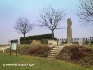 Battle-of-Agincourt-memorial-in-Maisoncelle