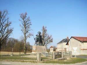Monument-des-Marie-Louise-Ferme-d-Hurtebise-Aisne