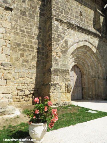 Abbey church of Sallertaine - Romanesque architecture