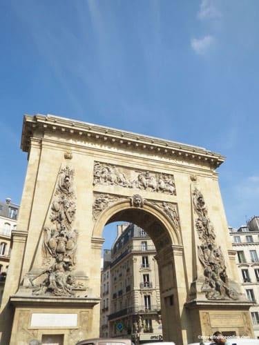 Porte Saint-Denis south facade and rue Saint-Denis