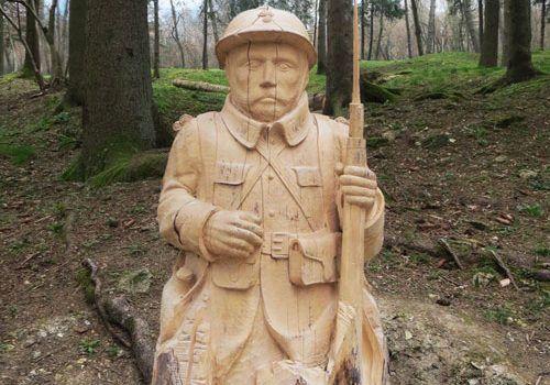 Fleury-devant-Douaumont-French-Poilu-wooden-statue
