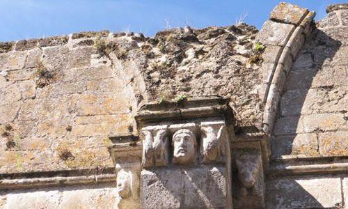 Ile chauvet Abbey - Romanesque sculptures