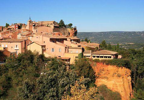 Plus-beaux-villages-de-France-Roussillon,_village_perche_du_Luberon