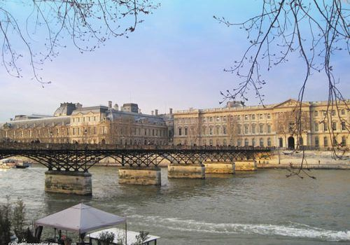 Pont-des-Arts-and-Louvre