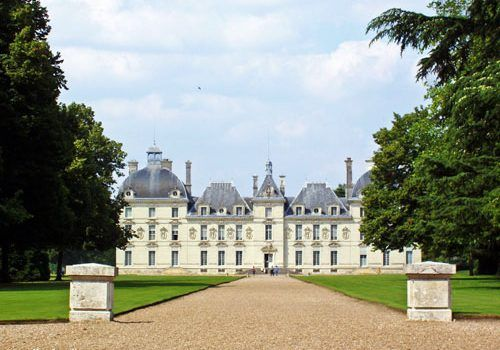 Traveling-to-the-Loire-Valley-from-the-UK-Cheverny