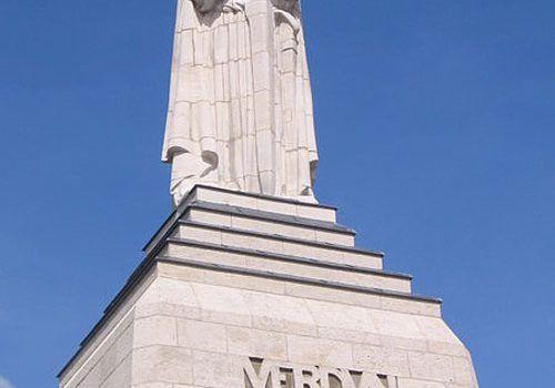 Verdun_Monument-a-la-Victoire-4juni2006_043