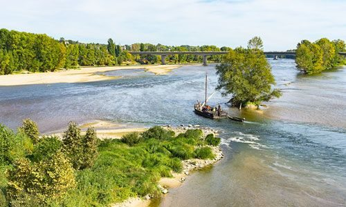 A gabare (barge) on the Loire River
